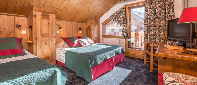 Hotel L'Eterlou bedroom (2)